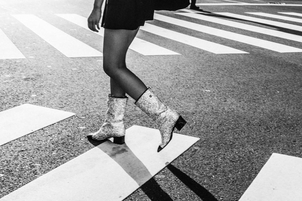 """Résultat de recherche d'images pour """"les bottes scintillantes chanel"""""""
